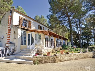 3 bedroom Villa in Lioux, Provence-Alpes-Cote d'Azur, France : ref 5539452