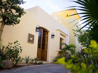 AV027-Loreto Bay-Luxury Villa, steps from beach