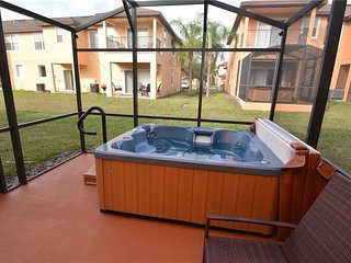 4 bedroom sleeps 10 Fantastic Resort in the heart of Kissimmee