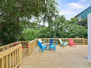 Brand New Listing on the Guadalupe River near Koozies!!!