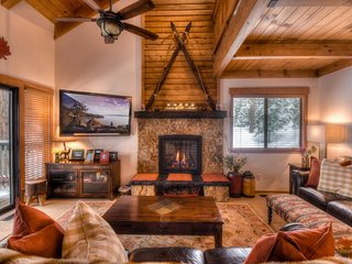 Stunning Tahoe Retreat 5 min From Lake Tahoe with HOA Amenities!