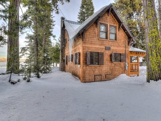 Lakefront Home: Private Beach & Walk to Homewood!