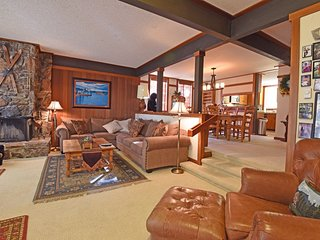 Lakefront Condo in Tahoe City with HOA