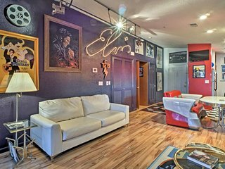King Condo At Holiday Hills - For Every Elvis Fan in Branson