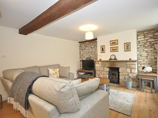 58430 Cottage situated in Stroud (5.5mls SW)