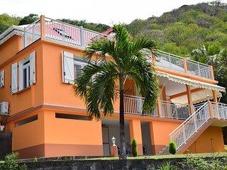 Villa NAMENO /Appartement de charme EN BAS de Villa