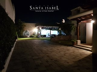Paseo Santa Isabel, Luxury Villas Hostal