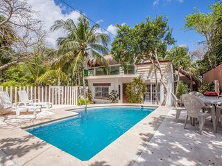 Beautiful private Villa in AKUMAL with private pool! Few steps from the BEACH!