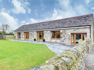 Trehafod- a special setting for your holiday in Anglesey: BOW16
