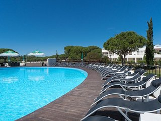 Vale do Lobo - 2 Bedroom, 2 Bathroom, sleep for 6. Apartment with pool and Gym
