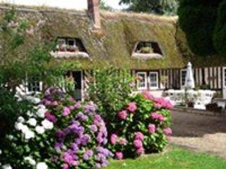LE PRESSOIR DE BETHEL - Chambres d'hôtes Honfleur, vacation rental in Pont-Audemer
