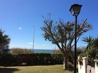 Habitacion doble con bano privado en casa frente al Mar