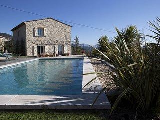 Belle bastide vue panoramique piscine chauffée wifi extérieur interieur