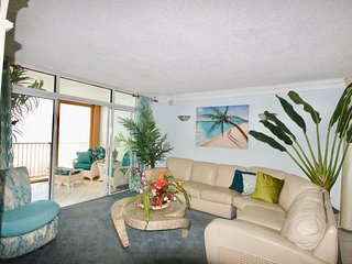 Fantastic Ocean Front 2 Bedroom Unit 3E directly on the beach Great for Families