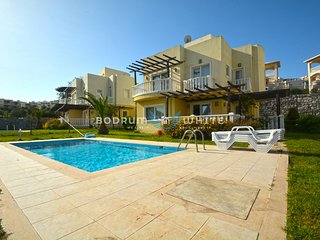 A9 Bodrum Flamingo 3 Bedroom Triplex Villa with Private Pool