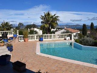 Grande villa récente avec vue mer et piscine à louer du 2 au 16 juin 2018