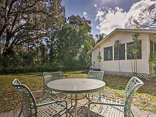 NEW! Cute 2BR Sarasota Cottage w/Screened-in Lanai