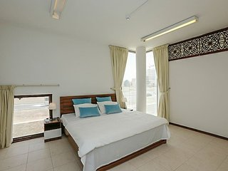 EnSuite MasterBed in LuxuryVilla near EmiratesMall