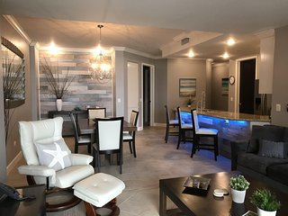 Designer Transformed Luxury Condo, Las Palomas 4 Diamond Resort, Sandy Beach