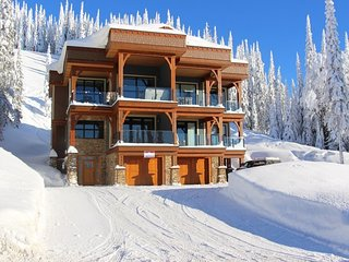 Mountain Jewel - Luxury Duplex Chalet with Private Hot Tub - Ski in, Ski out