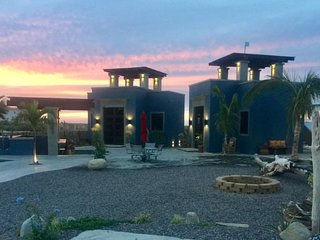 Casitas Ballenas, two casitas steps from the ocean, views and saltwater pool