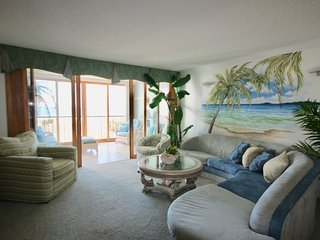 1C The  Pyramid...Beautiful ocean front 2 Bedroom on the Beach with pool