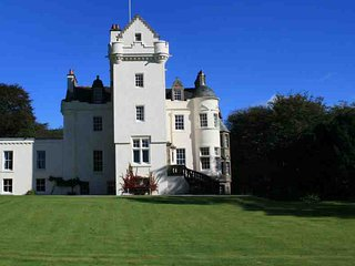 047 - Baronial Castle
