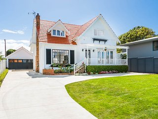 Takapuna Centre Luxury & Seaview Vacation Home