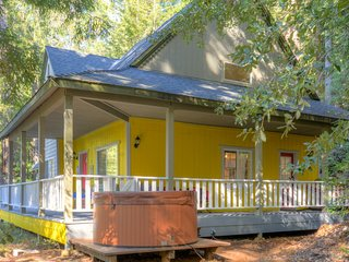 Redwood Cottage