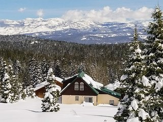 Quiet Chalet w/ Big Views - Walk to Tahoe Skiing!