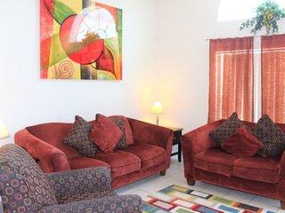 2643SLV. Deluxe 4 Bedroom 3 Bath Pool Home in Rolling Hills