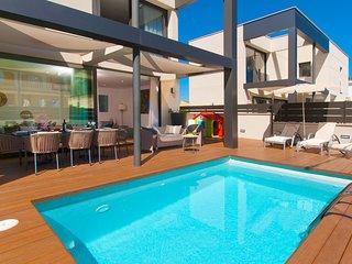Villa Jade I