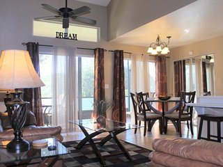 3168TC. Lovely 3 Bedroom 2 Bathroom Townhome Close to Disney