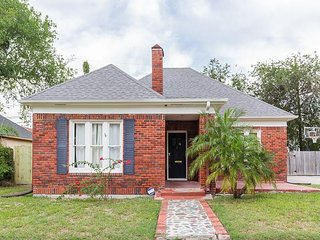 Updated 3BR w/ Large Fenced Yard -- 10 Minutes to Ocean Drive & Downtown