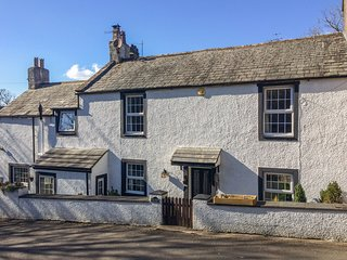 HIGH HOUSE COTTAGE, woodburning stove, enclosed garden, in St. Bees, Ref 942144