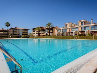 Deluxe 1 Bedroom en-suite apartment for holidays in Vilamoura with golf view