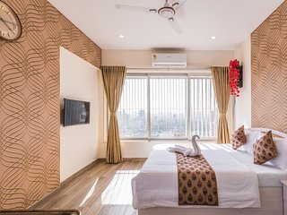 Cozy & Grandeur Room on Higher floor