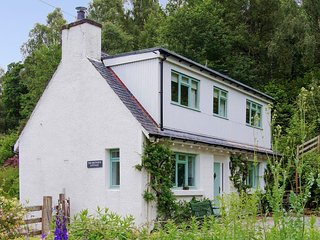 The Brewers Cottage - A little Victorian cottage in Tomich, Glen Affric