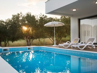 Brandnew luxury villa in Dalmatia with pool