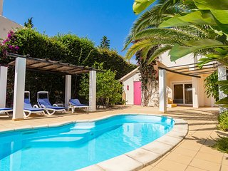 Lovely Townhouse (3 bedrooms) with private pool, close to Centeanes beach