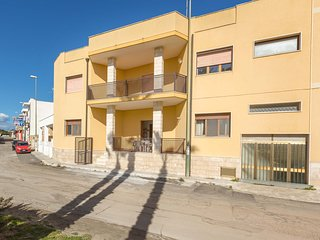 1033 Apartment 80 meters away from the famous beach of Torre Lapillo