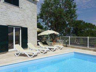 Villa with pool for rent near Postira, Brac island