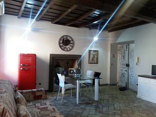 Antico Ostello di Bracciano - casa vacanze con  wifi and air conditioner