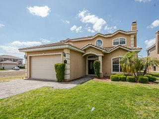VistaPark 311- Beautiful Spacious 5 bed 7 bath Home Near Disney!