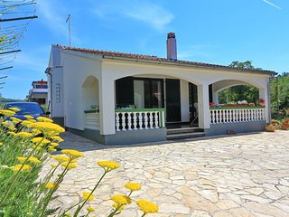 Punta Bibinje - Family House - 1st. row to the Sea, private exit to the beach