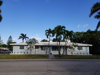 New Listing!  Palm Beach Shores Duplex - Walk To The Ocean!