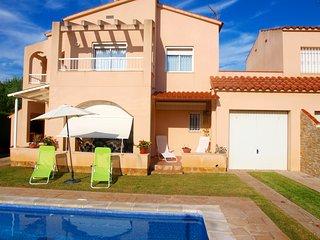 Bonita Villa con piscina privada a 1400metros de las playas