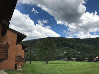 Vail - BC Golf / Ski House - 4 Bed/4 Bath