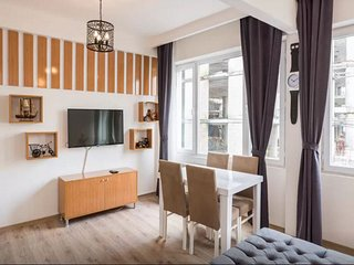 Best Location,Large Family Apartment,Taksim Square,2 Rooms,Balcony,Second Floor