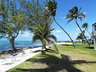 Beachfront 2 Bedroom Condo #33 at Serene&Exquisite Retreat at Rum Point